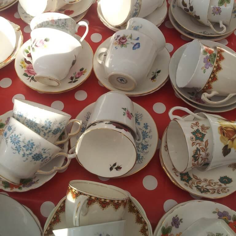 event catering cups and saucers